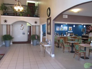 Executive Inn & Suites Wichita Falls - Lobby and Breakfast Area