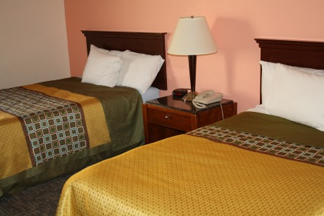 Executive Inn & Suites Wichita Falls - 2 Double bed accesible.